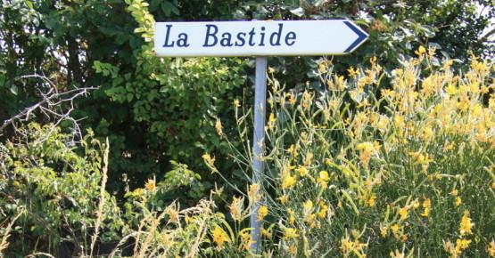La Bastide sign